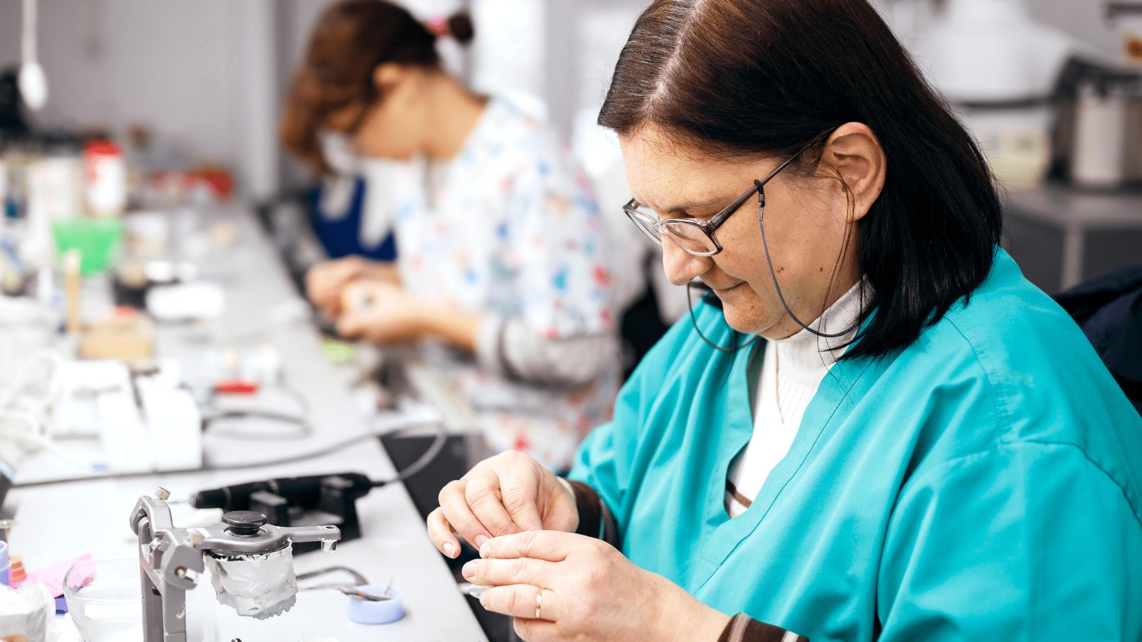 Dental material lab