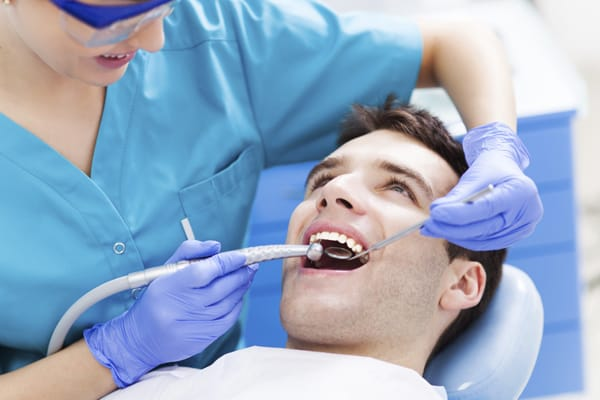 6 Reasons You Should Go To the Dentist